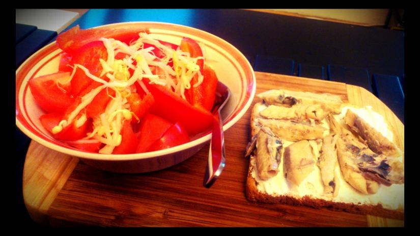 Soja, poivron, tomate, fromage, maquereau